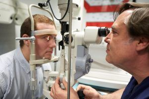 la miopia se puede curar